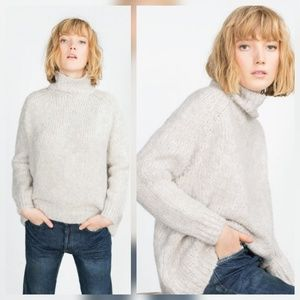 Zara Knit M Italian Yarn Turtleneck Sweater